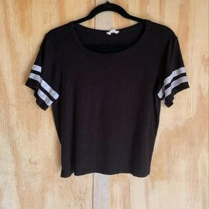 H&M black small crop tee baseball sleeves